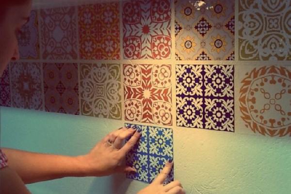 http://www.elo7.com.br/adesivo-azulejos-decorativos-15x15cm/dp/48E5F5